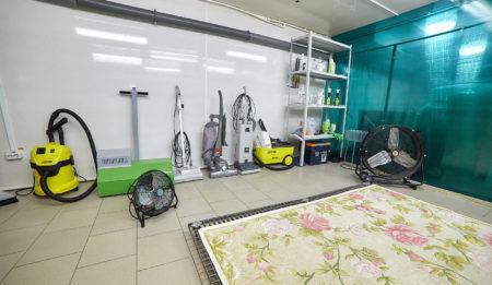 Химчистка ковров в профессиональном цехе